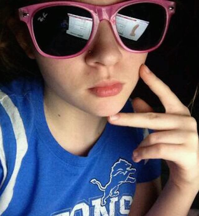 Teen Dildo Selfie