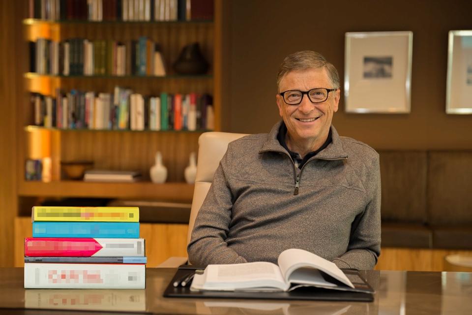 Bill Gates lista cinco livros que todo mundo deveria ler este ano