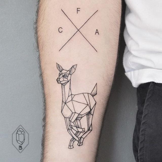 Line Drawing Tattoo London : Tatuagens minimalistas para quem procura simplicidade e