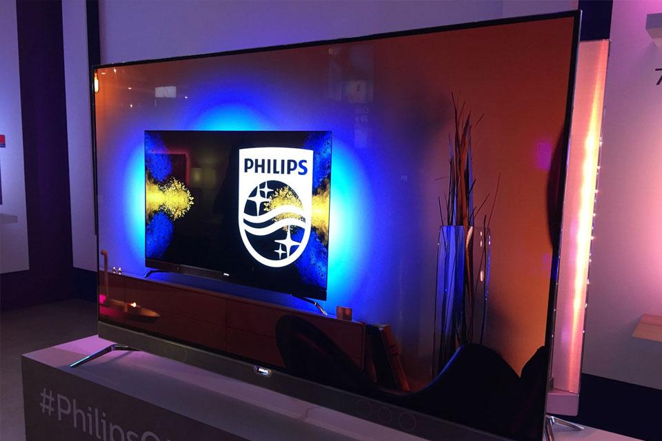 5e2bd1b6c Philips apresenta a primeira TV OLED 4K com Ambilight do mundo - Ficha  Técnica - TecMundo