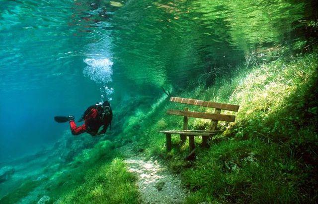 Nos meses mais quentes, só é possível passear pelo parque com equipamentos de mergulho (Crédito: Reprodução)