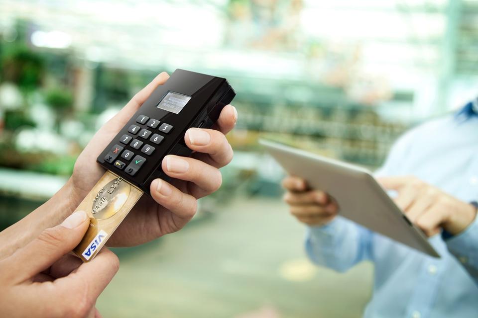 e87d09fdb Mas, afinal, qual é a melhor maquininha de cartões de crédito? - TecMundo