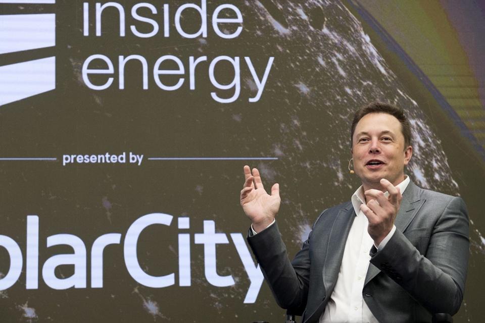 fb3a6ce1e18 Acionistas da Tesla aprovam fusão arriscada com a SolarCity