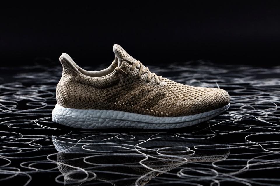 Adidas lança primeiro tênis de performance criado com fibra biodegradável