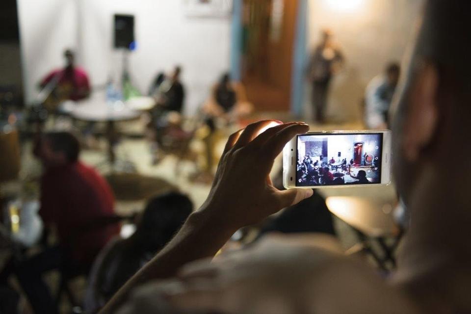 Livro 'Vida Móvel' conta a história da telefonia móvel no Brasil e no mundo
