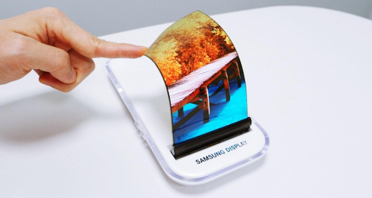 Samsung: celular com 'telas gêmeas' pode chegar antes de display flexível