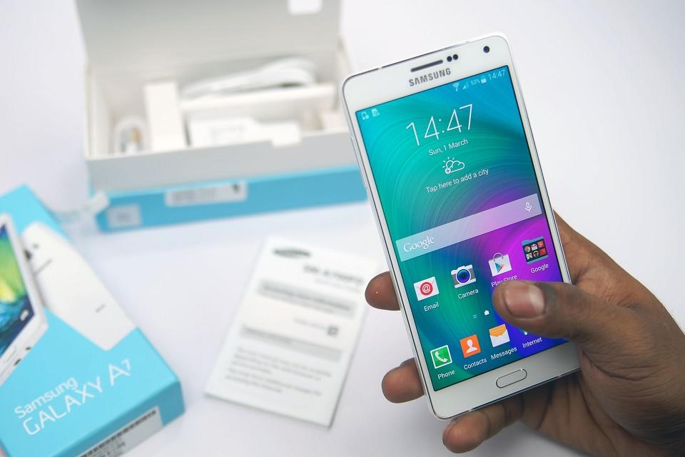 Samsung Galaxy A3 e A5 (2017) ganham data de lançamento fa6ac2f090