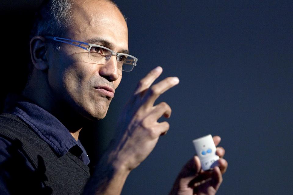 "3290b48d9 CEO da Microsoft denomina inteligência artificial como ""descoberta suprema"""