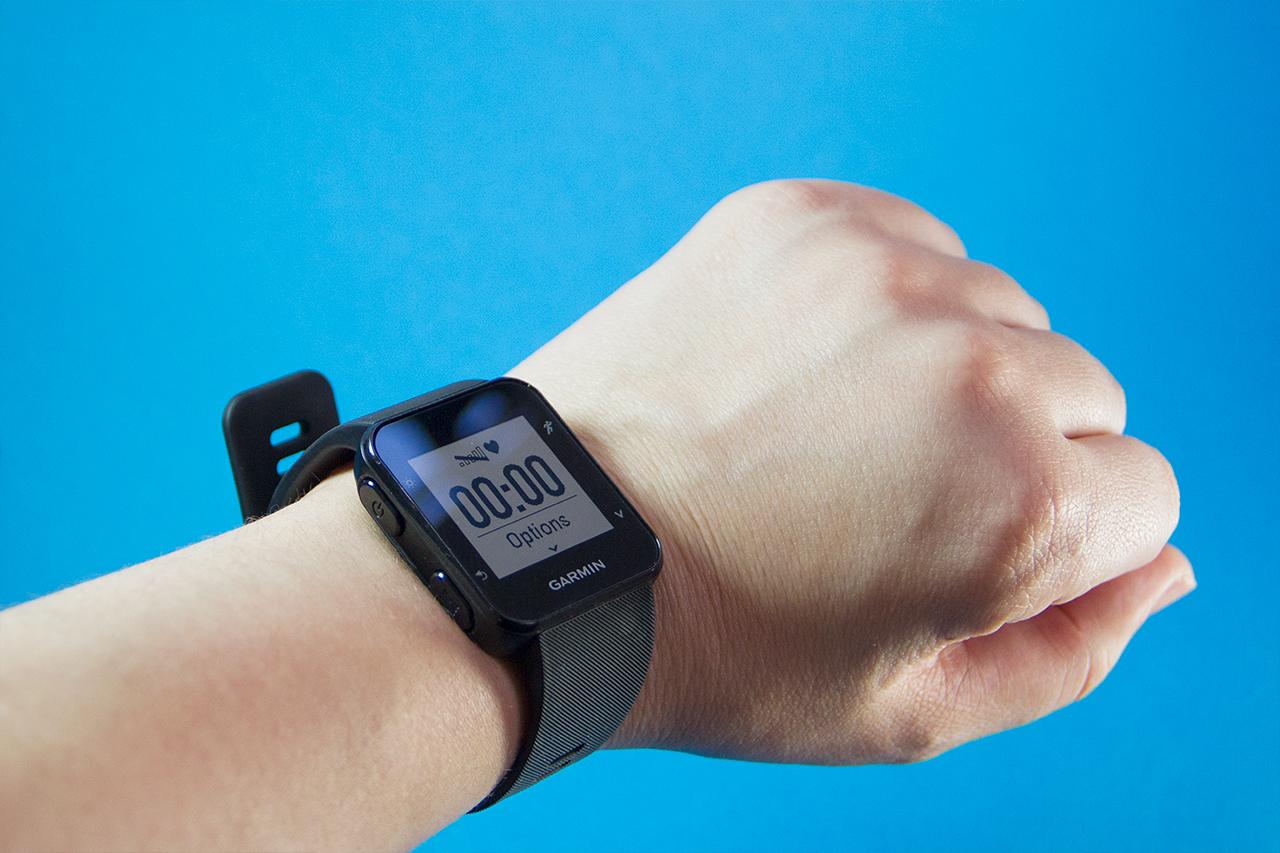 ef5e890bc84 Review  relógio GPS esportivo Garmin Forerunner 35 - TecMundo