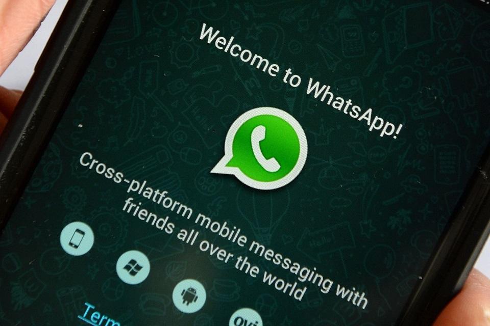 Resultado de imagem para WhatsApp libera função de apagar mensagens antes que o destinatário leia