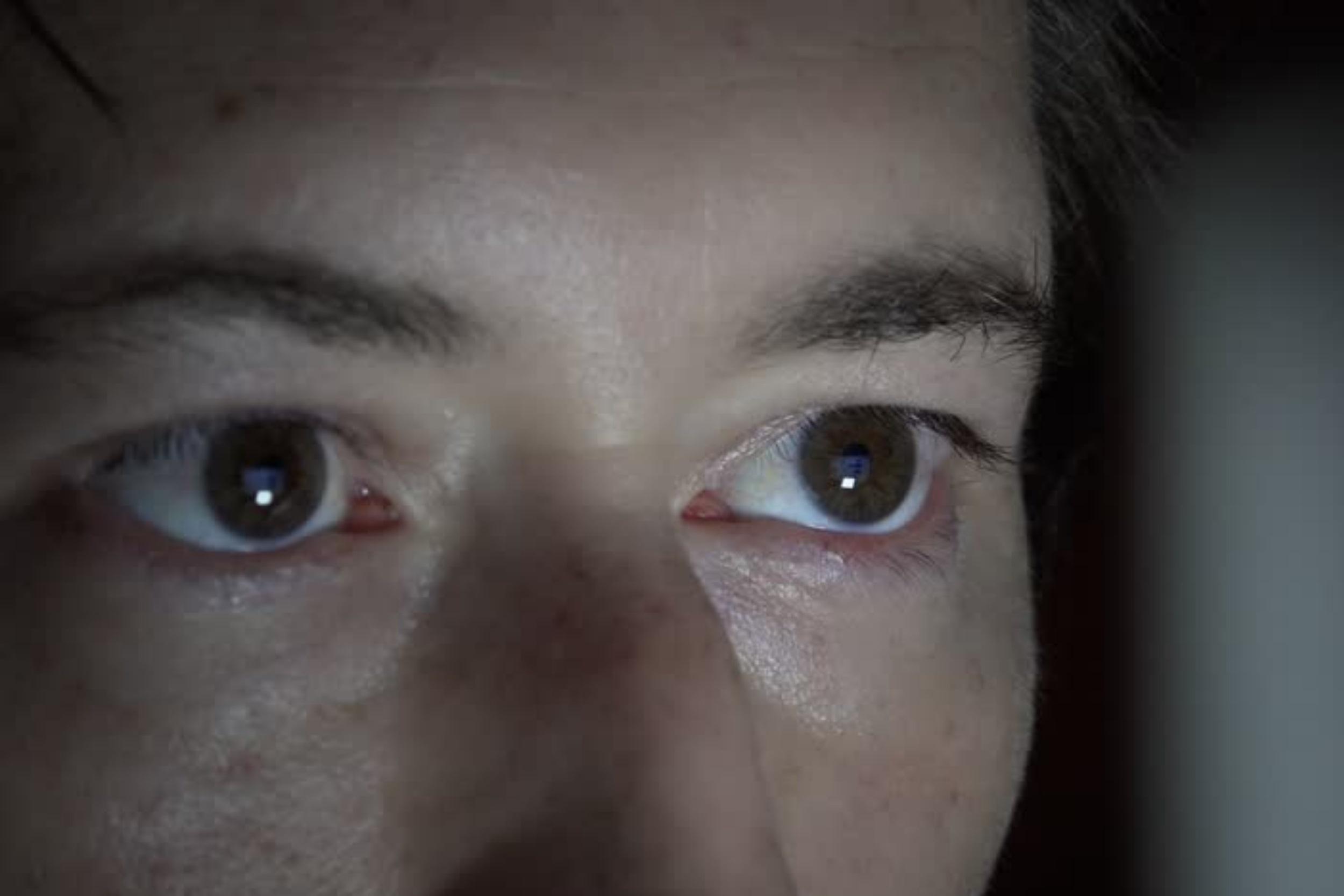 5d1cef62f Os olhos humanos estão mudando e a culpa pode ser dos smartphones - TecMundo
