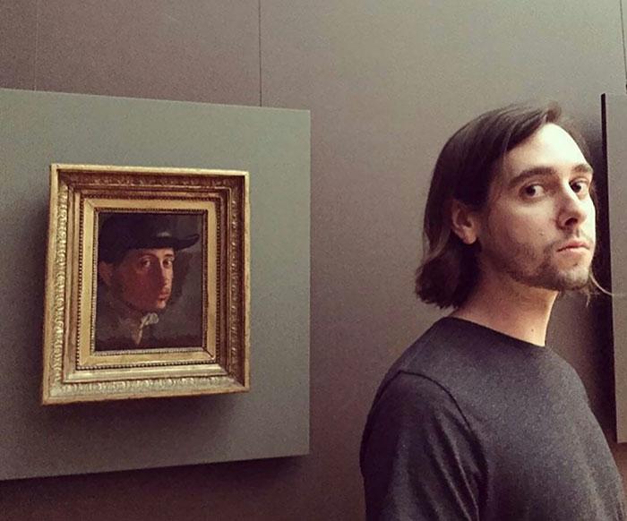 Homem igual ao retrato