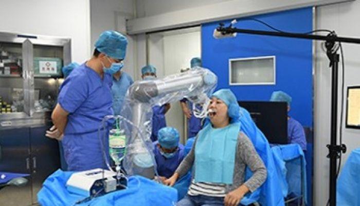 Robô dentista