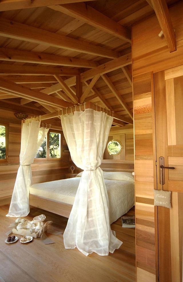 Um quarto enorme