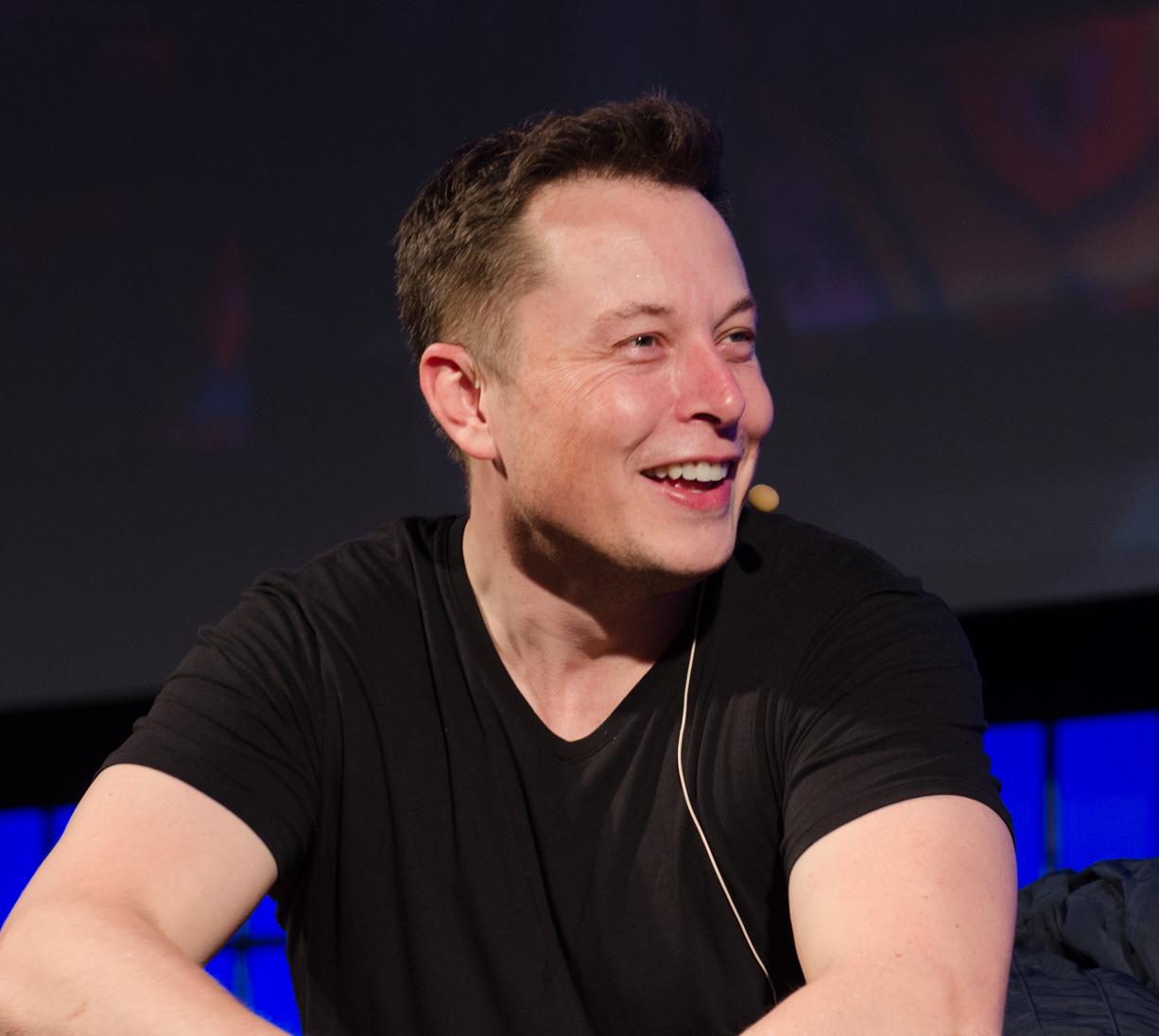 Elon Musk promete viajes a cualquier destino en menos de una hora