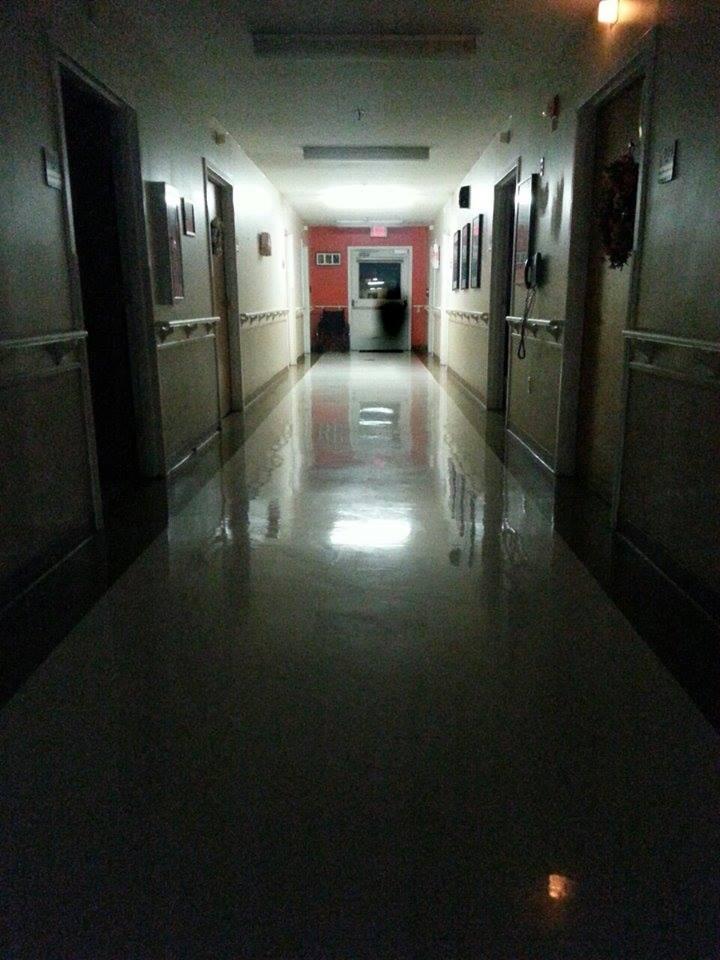 Sombra no fim do corredor