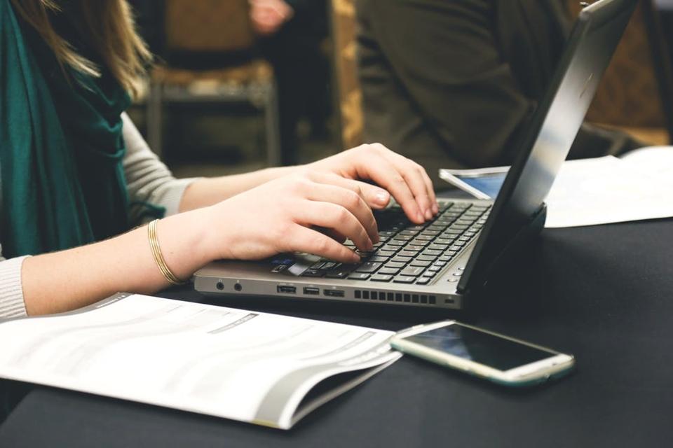 Confira editores de texto gratuitos e semelhantes ao Word