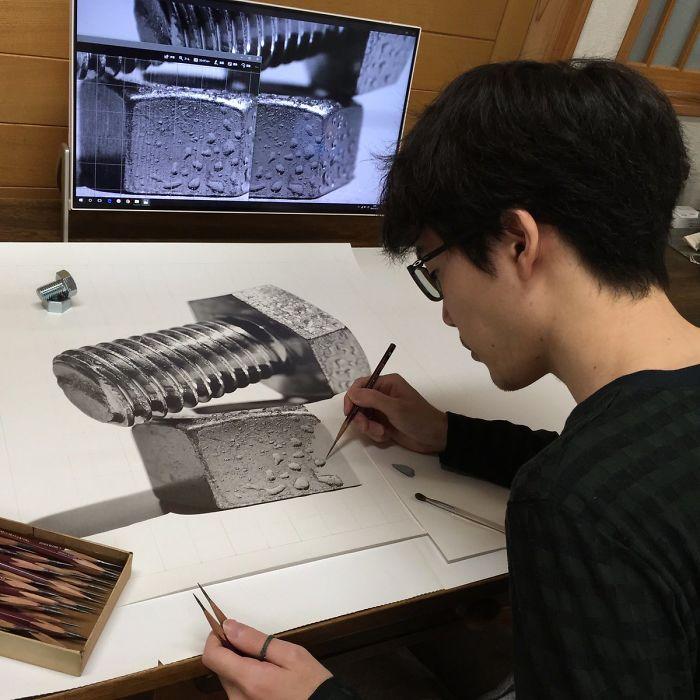 Kohei Ohmori desenhando