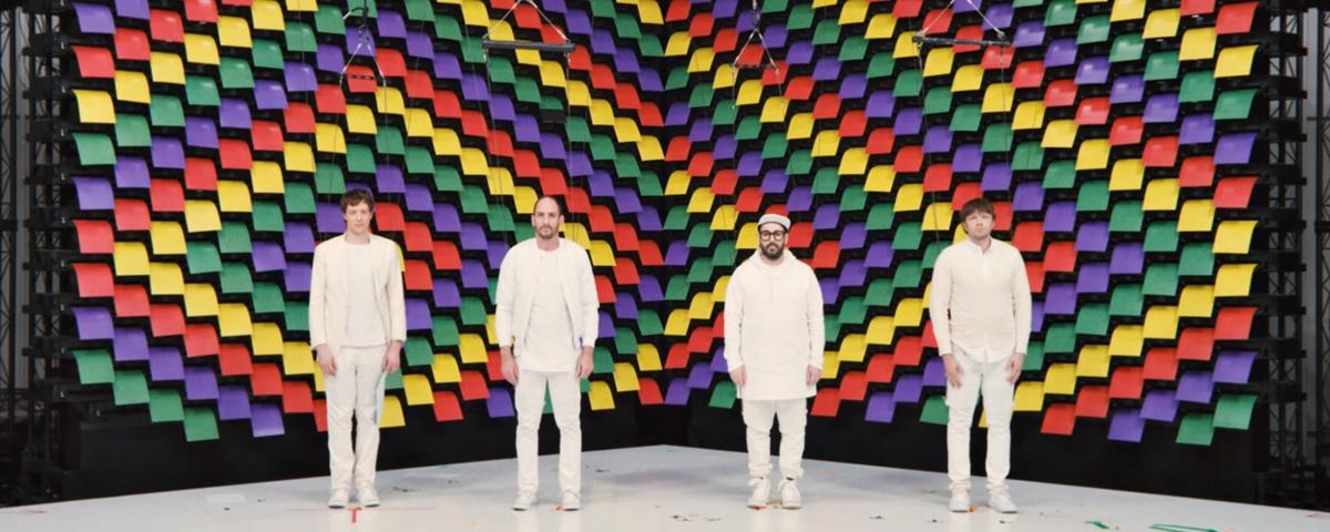 Novo clipe da banda OK Go usa painéis com 567 impressoras