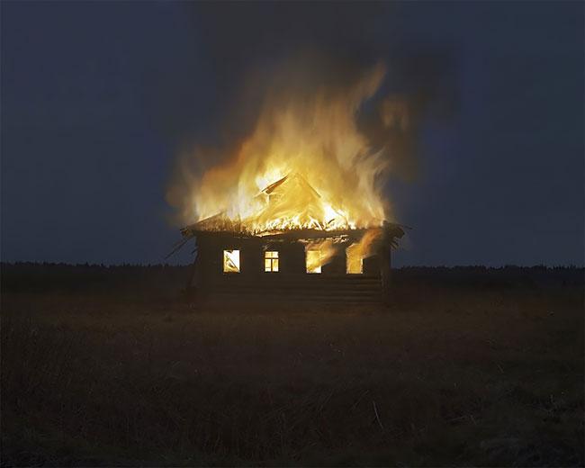 Casa queimando
