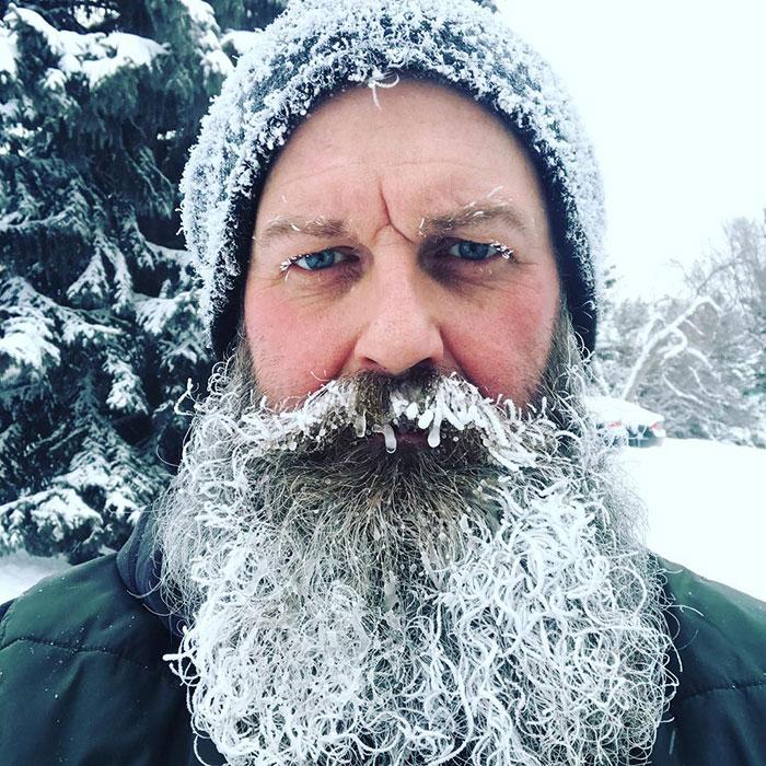 Homem barbudo