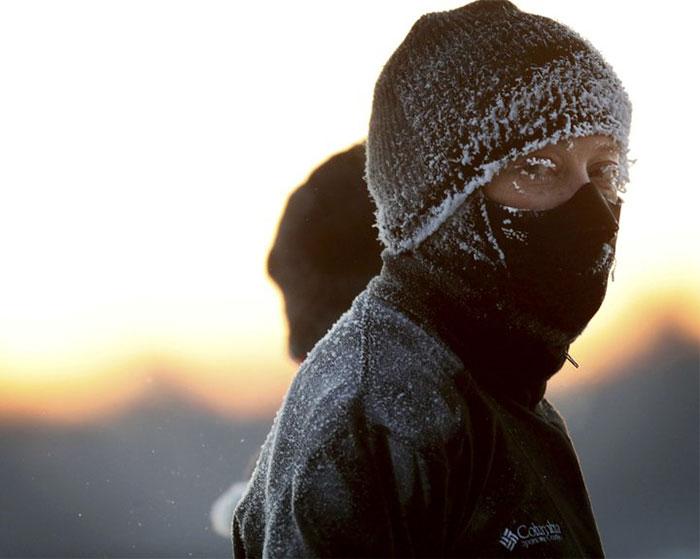 Prática de exercícios no frio