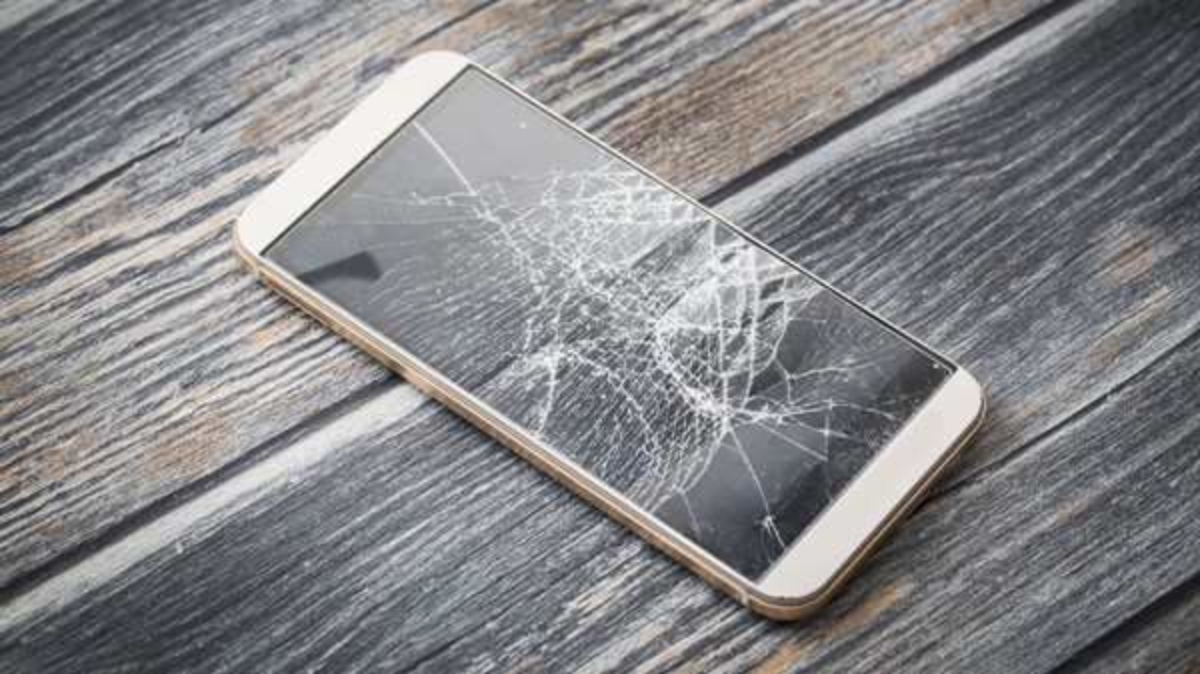 Estreia marcada: 1° smartphone com tela de diamante chega em 2019