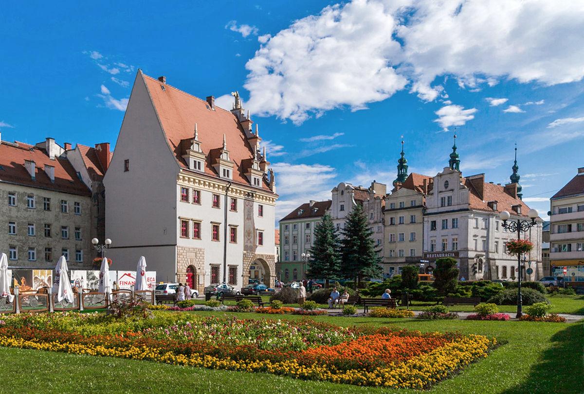 Praça central de Nysa