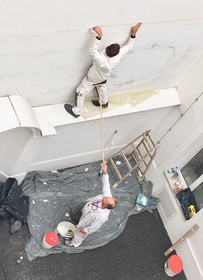 homens fazendo besteira