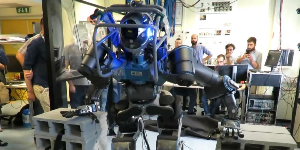 Robô em sua primeira versão