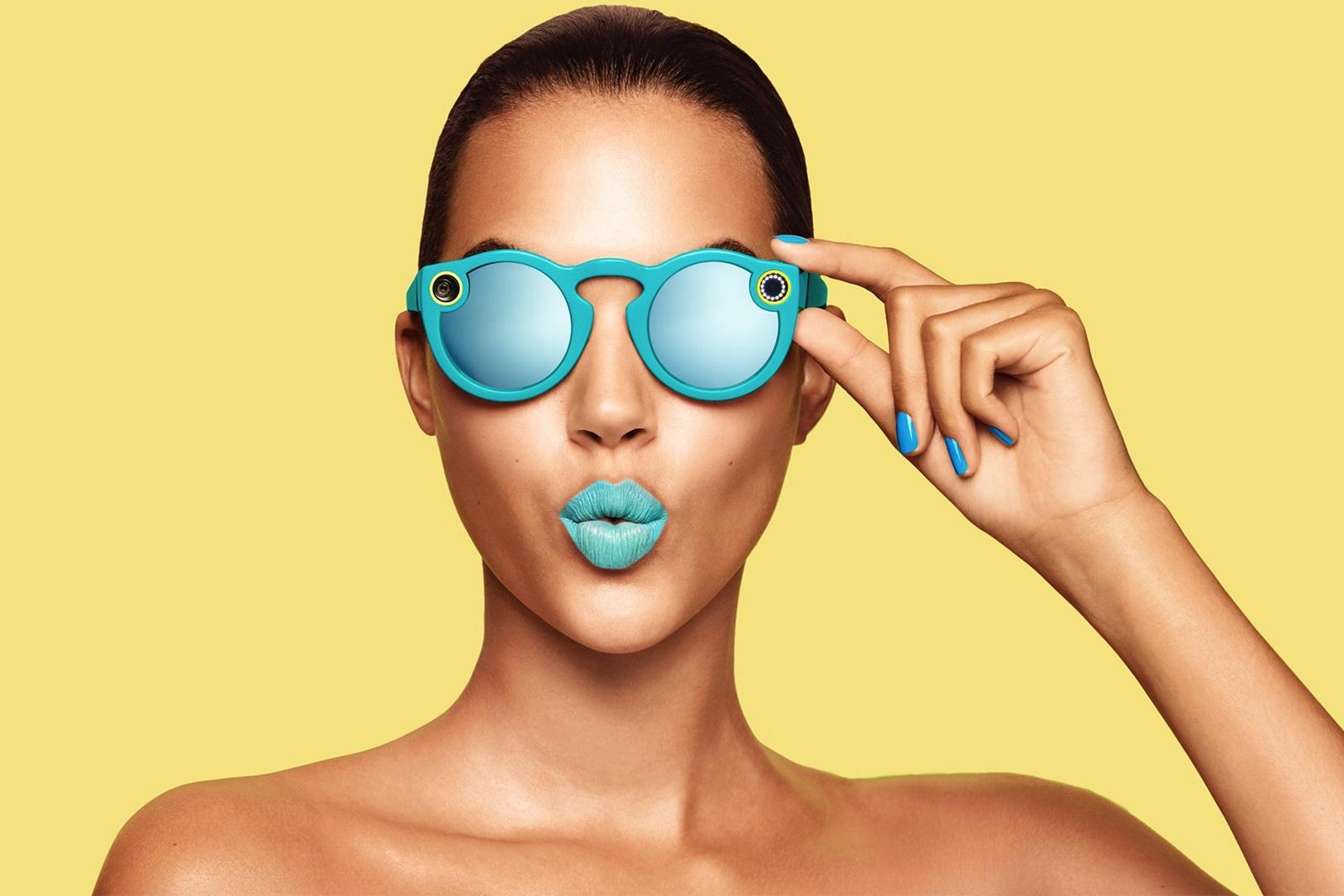 1faaebe7c Óculos do Snapchat deve ganhar um novo modelo este ano