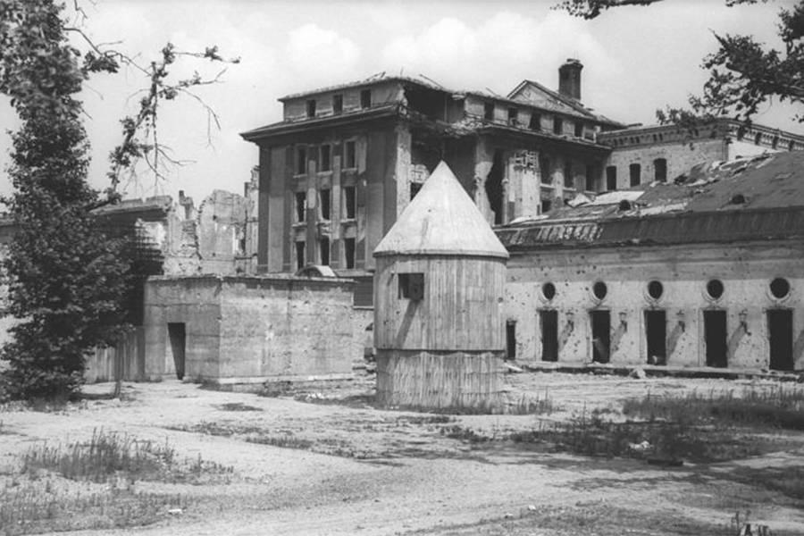 Confira 9 imagens que mostram o interior do bunker de Hitler - Mega Curioso
