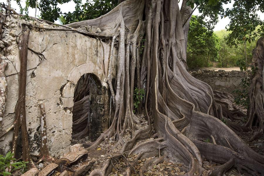 Antiga prisão abandonada