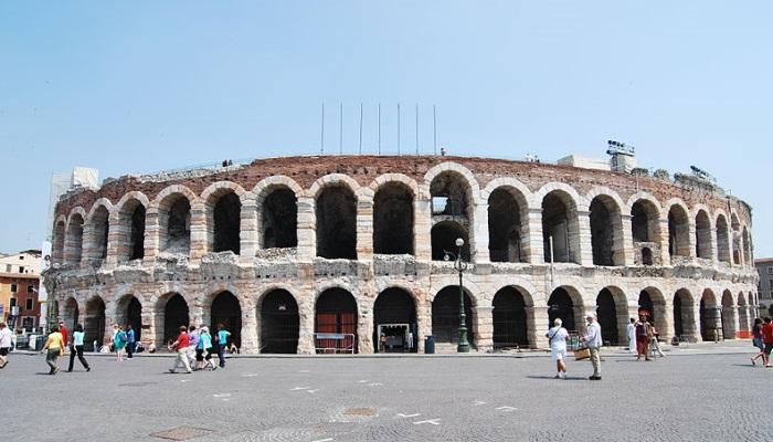 Arena de Verona, Itália