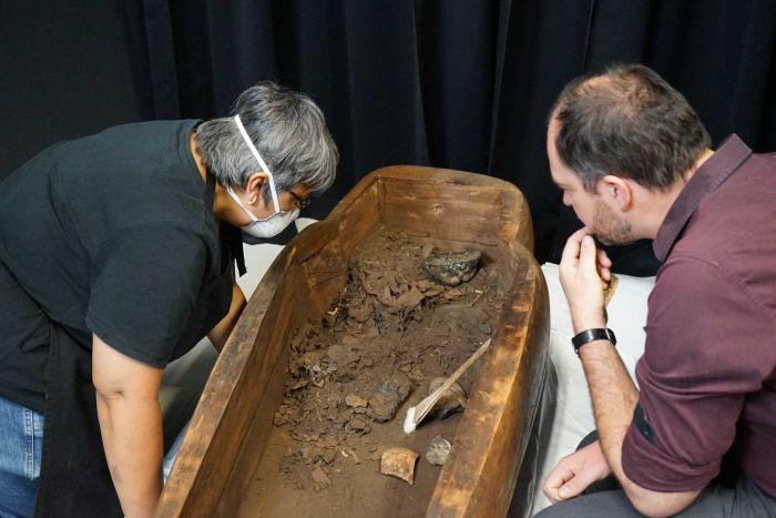 Sarcófago contendo múmia