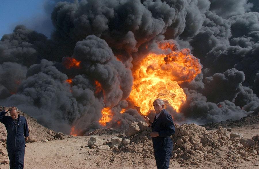 Incêndio em campo de petróleo