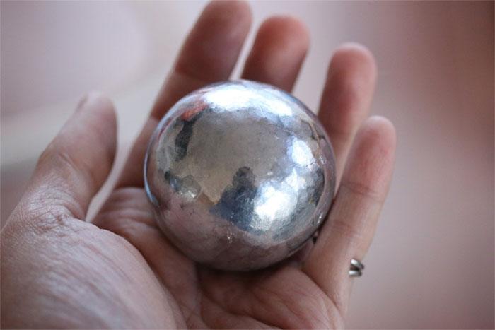 Bola de papel alumínio