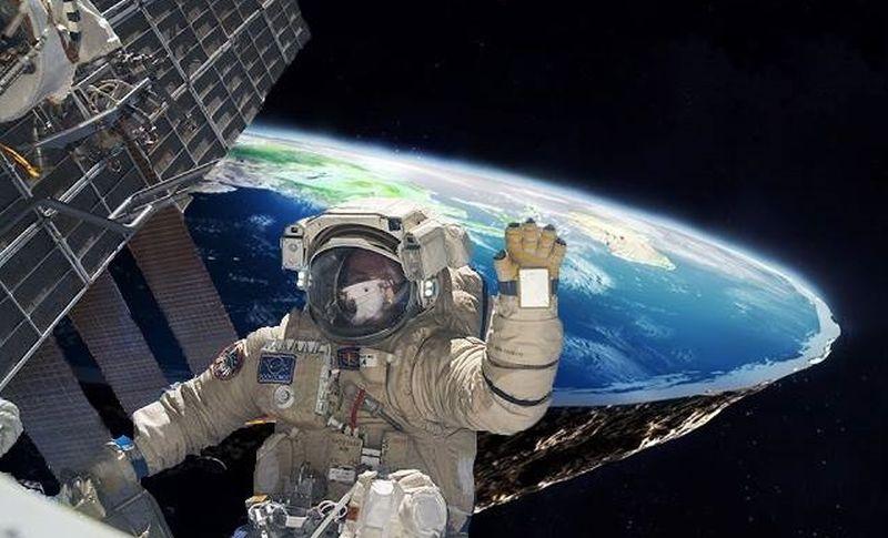 Astronauta e a Terra plana
