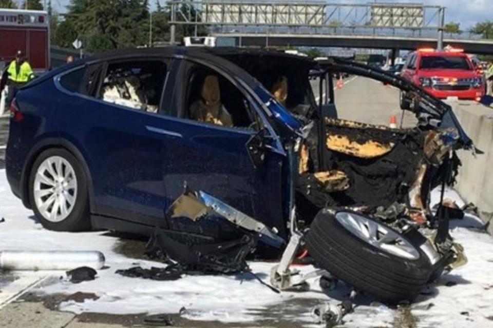 https://img.ibxk.com.br/2018/04/12/acidente-de-automovel-12105602703019.jpg?w=1040