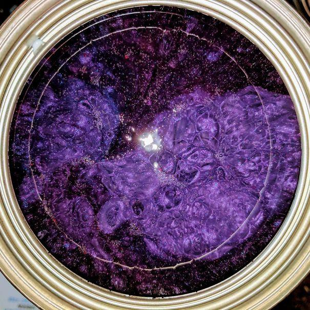 Galáxia em lata de tinta