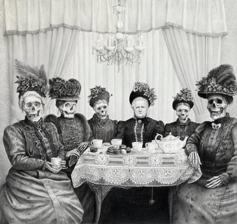 Senhoras tomando chá