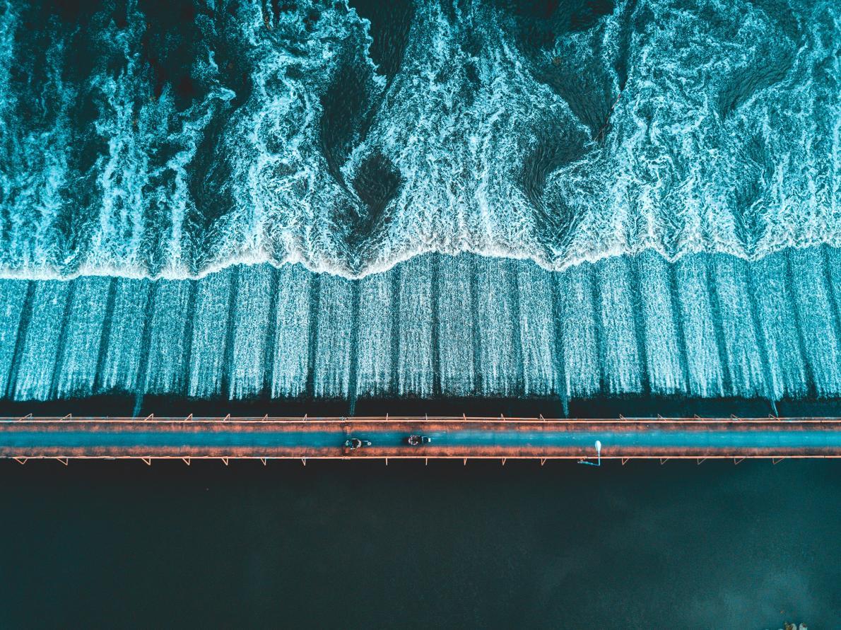 Ponte sobre rio chinês