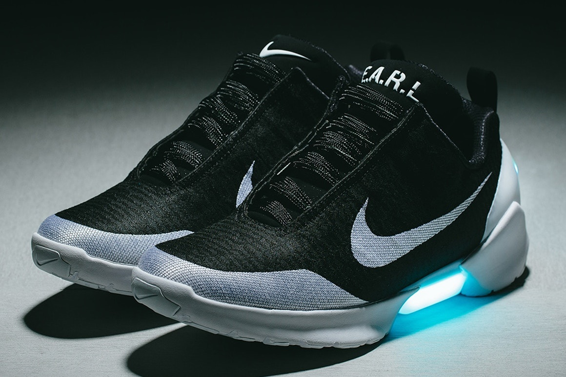 f0a631ec457 Nike começar a vender tênis que se amarra sozinho no Brasil