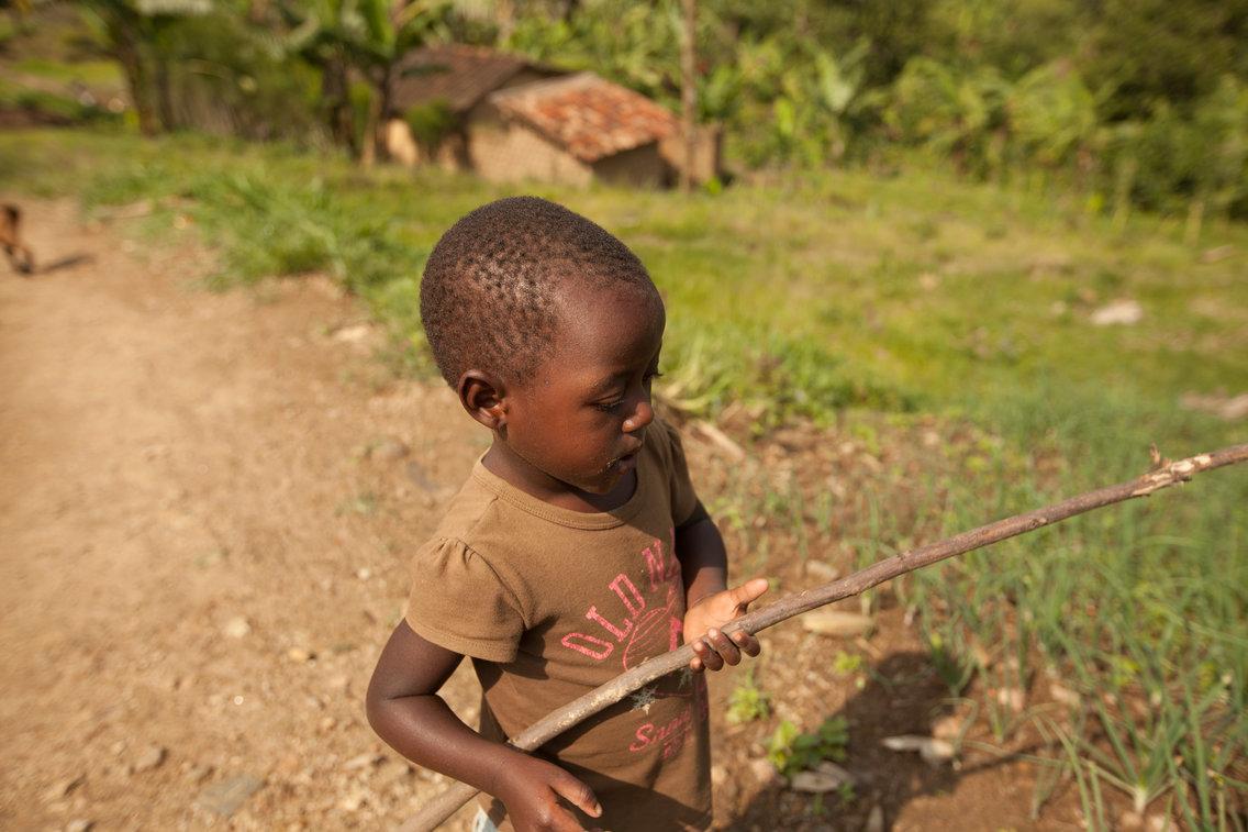 Criança de Ruanda
