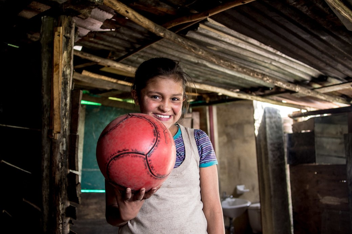 Menina com bola