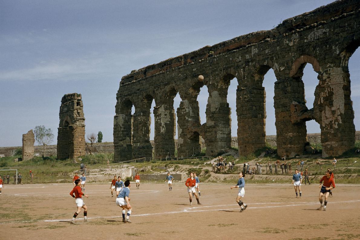 Jogando bola em Roma