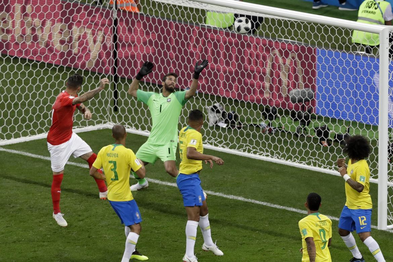 Gol da Suíça contra o Brasil