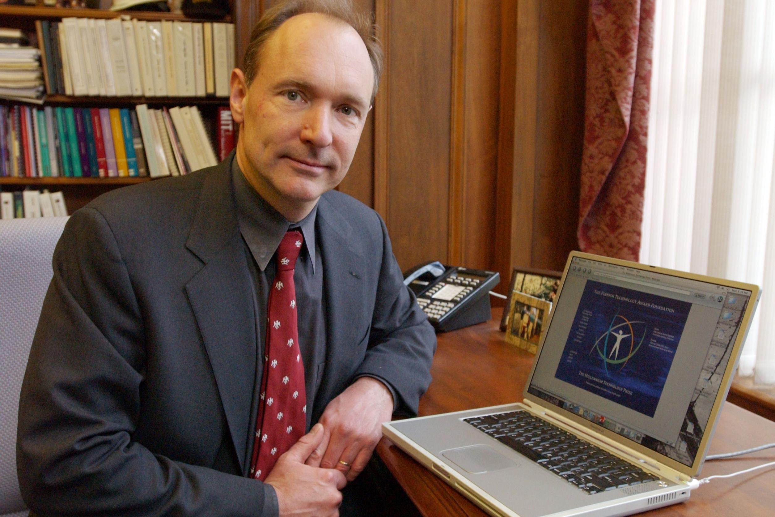 """Triste com os rumos da Web, Tim Berners-Lee quer """"redescentralizar ..."""