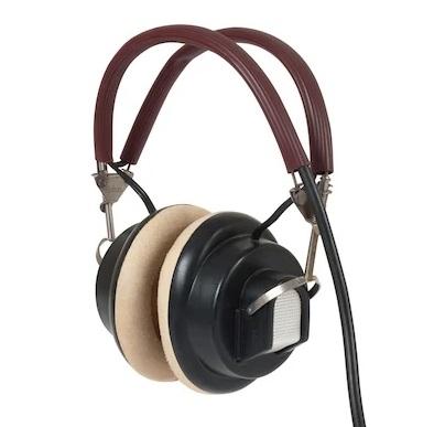 Um fone de ouvido.