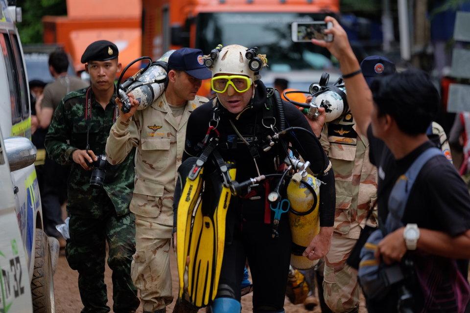 Mergulhador de time de resgate